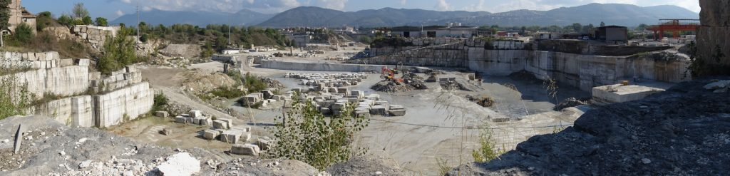 travertine-quarry-italy-panoramic